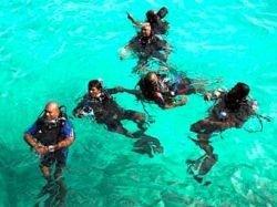 Правительство Мальдив устроит заседание под водой
