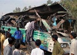 Автобус и грузовики столкнулись в Египте: 11 погибших