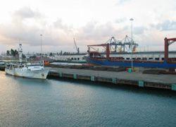 Застрявшие в Панаме моряки попросят помощи у Медведева