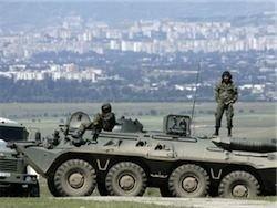 Севастопольские гаишники остановили два российских БТРа