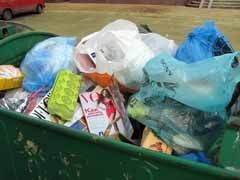 С книжной полки — в мусорный бак