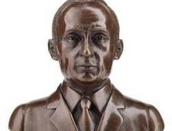 В Москве появились солонки в виде бюста Путина