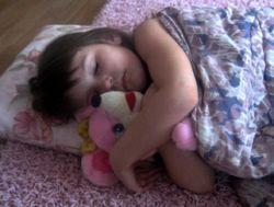 Сон в выходные защищает детей от ожирения