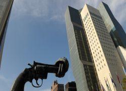 Россия будет торговать оружием по своим правилам