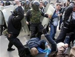 Что хотят сказать нам власти демонстрацией силы?