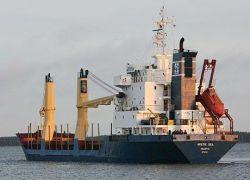 Моряки с Arctic Sea вернутся в РФ в частном порядке