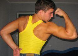 Избыток белка в организме наращивает жир, а не мышцы