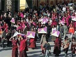 Тибетские бунтовщики испортили отношения между КНР и ЕС