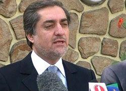 Соперник Хамида Карзая отказывается от борьбы