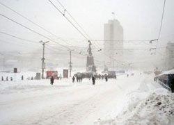 Во Владивостоке уже сутки не прекращается снегопад