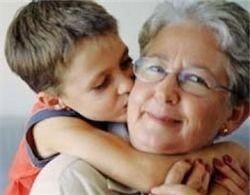 Бабушки влияют на продолжительность жизни внуков