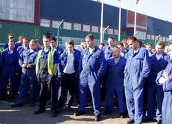 Рабочие Ford не дали снизить себе зарплату