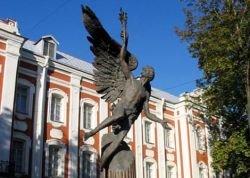 В университет Медведева и Путина вернули цензуру