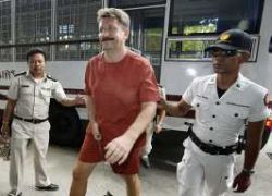 Виктор Бут подал в суд на арестовавших его полицейских