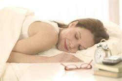 Неврологи объяснили, почему нехватка сна вредит мозгу