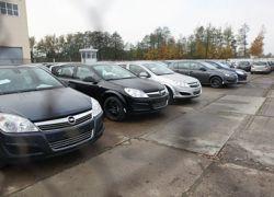 Импорт автомобилей в Россию снизился в четыре раза