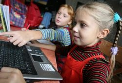 Активные в Интернете дети пишут лучше сверстников