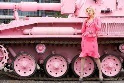 Тайцы полюбили ярко-розовый цвет