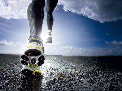 С какой максимальной скоростью может бежать человек