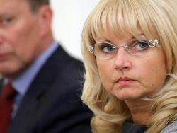 Лужков пообещал выселить на мороз Голикову и Христенко