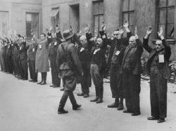 ФРГ выплатит 500 млн евро пенсий узникам гетто