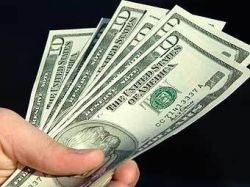 Американец нашел в купленной машине 200 тысяч долларов