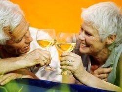 Пожилые пьющие люди имеют проблемы с памятью