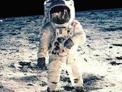 Американцы не будут летать на Луну до 2028 года