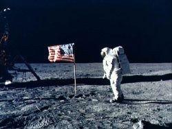 США отложили возвращение на Луну
