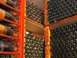 Почему дорогое вино в России слишком дорого?
