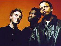 Massive Attack изменили альбом из-за пиратов