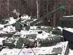 Двести брошенных в лесу танков отгородили забором