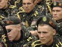 Увеличивать срок службы в армии не планируется