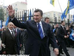Окружение Януковича толкает его не в ту сторону?
