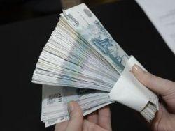 Россияне любят считать деньги в кармане коллег