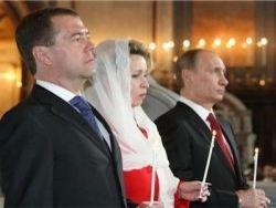 Общественность вопрошает: Куда пропала Людмила Путина?