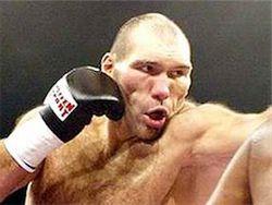 Валуев начал переговоры о претендентском бое