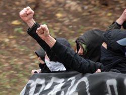Экстремистских преступлений в России становится больше