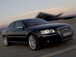Новое поколение Audi S8 получит двигатель
