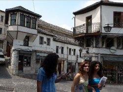 Албания снова отменит визовый режим на лето