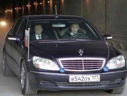 """Путин снял \""""мигалки\"""" с четырех правительственных машин"""