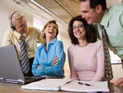 Смех на рабочем месте: когда он уместен