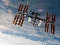 Discovery отчалил от МКС