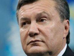 Янукович вылетел в Краков