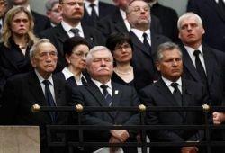 Почему на борту с Лехом Качиньским не было Леха Валенсы?