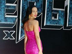 У Меган Фокс отобрали звание самой красивой женщины