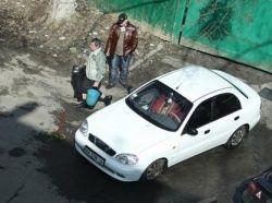 Россияне вынуждены бросать автомобили на улице