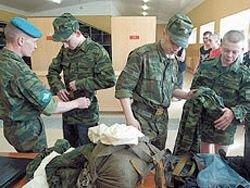 Российская армия экономит на людях?
