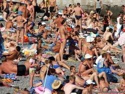 Oтпускники отказываются от планов отдыхать в Крыму