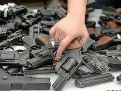 В Джалалабаде начали сдавать оружие